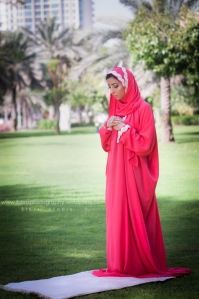 praying dress Salaty
